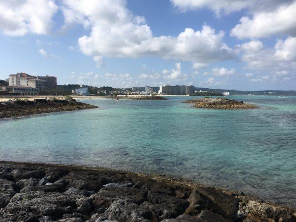 シェラトン沖縄サンマリーナリゾート 遊歩道からの海