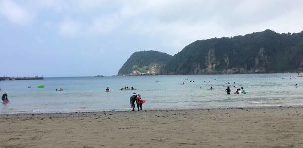 岩地海水浴場
